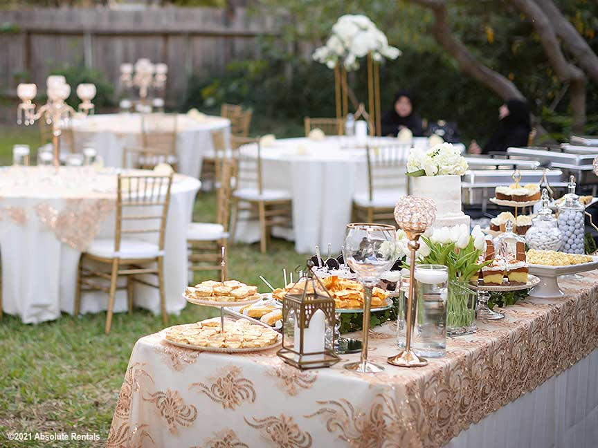 An elegant event with Gold Chiavari Chairs and sensational linens.